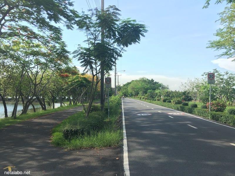 ノンボン公園でサイクリング