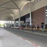 プノンペン国際空港のタクシーとトゥクトゥク