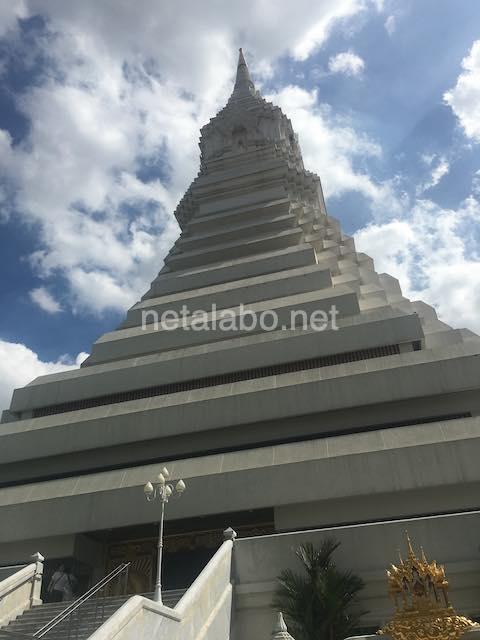 タイ・バンコクのワットパクナム(Wat Paknam)エメラルド寺院