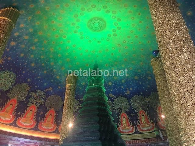 タイ・バンコクのワットパクナム(Wat Paknam)エメラルド寺院の大仏塔